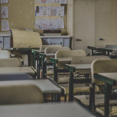 S02E10: School
